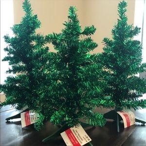 Set Of 3 Green Tiny Treasure Christmas Trees NWT